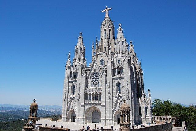 katalánsko katedrála.jpg